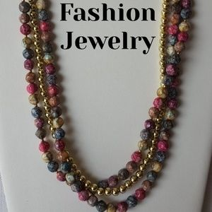 Jewelry - GORGEOUS Fashion Jewelry Multicolor Bead Necklace